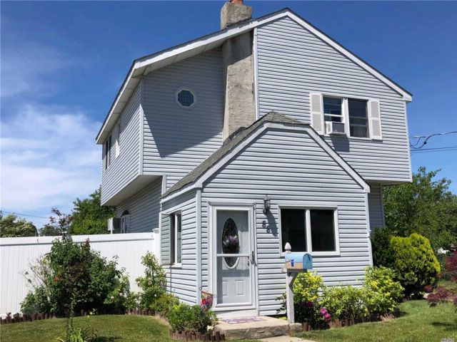3 BR,  1.50 BTH  Colonial style home in Lindenhurst